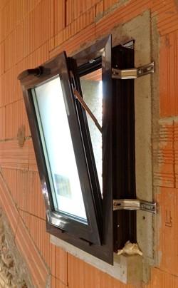 Aluminier technal n 1 en espa a en ventanas de aluminio for Pose fenetre pvc en applique